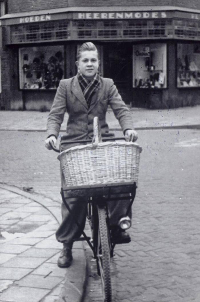 Kruidenier Deijle uit Koog aan de Zaan, 1950